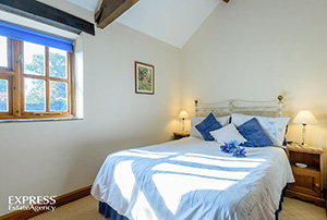 Double room self-catering Craven Arms Shropshire
