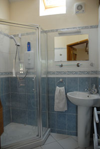 Self-catering holiday let Shower